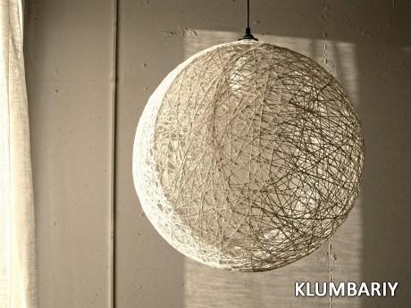 Своими руками, применив творческий подход, можно легко сделать такой светильник